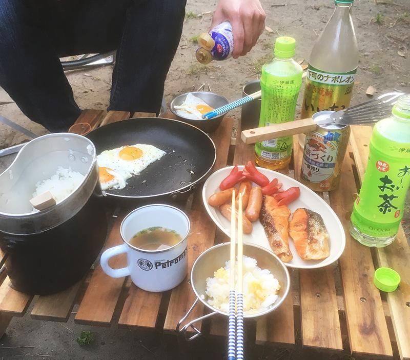 ソロキャンプの朝食 キャンプの朝食 朝ごはん
