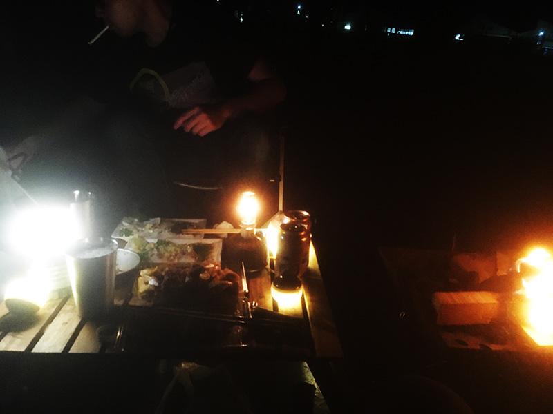 ソロキャンプの夜 お酒