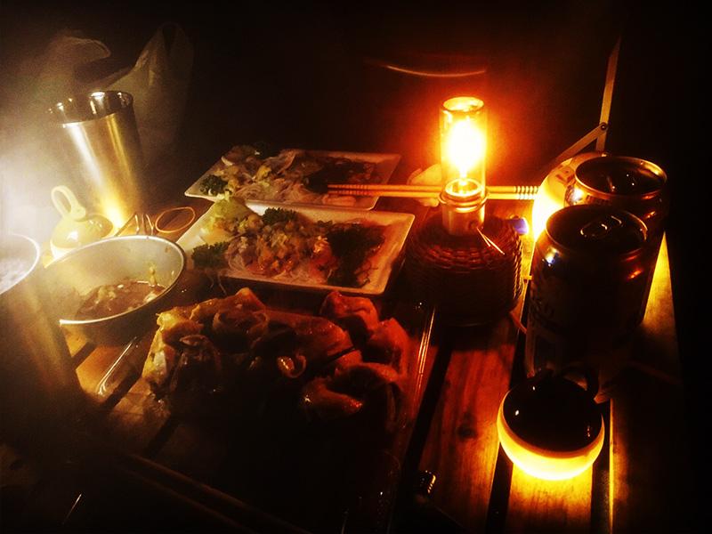 ソロキャンプの夜 宴 キャンプめし