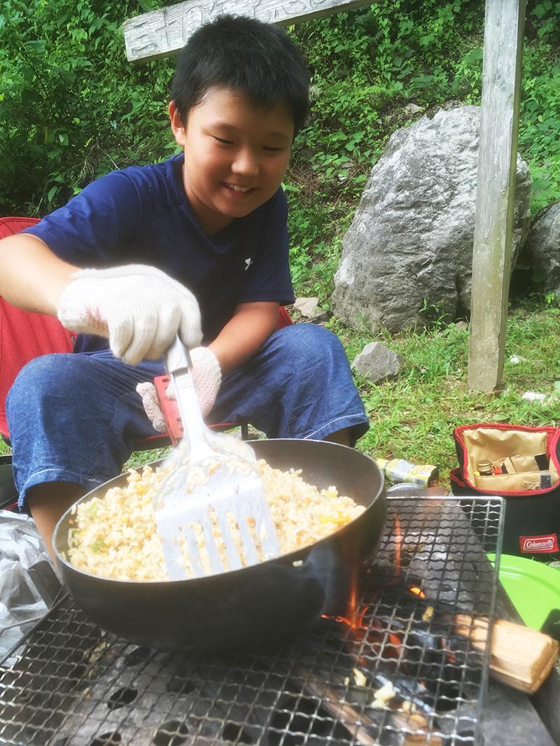 ファミリーキャンプでの昼飯は?キャンプ飯は何を作る?
