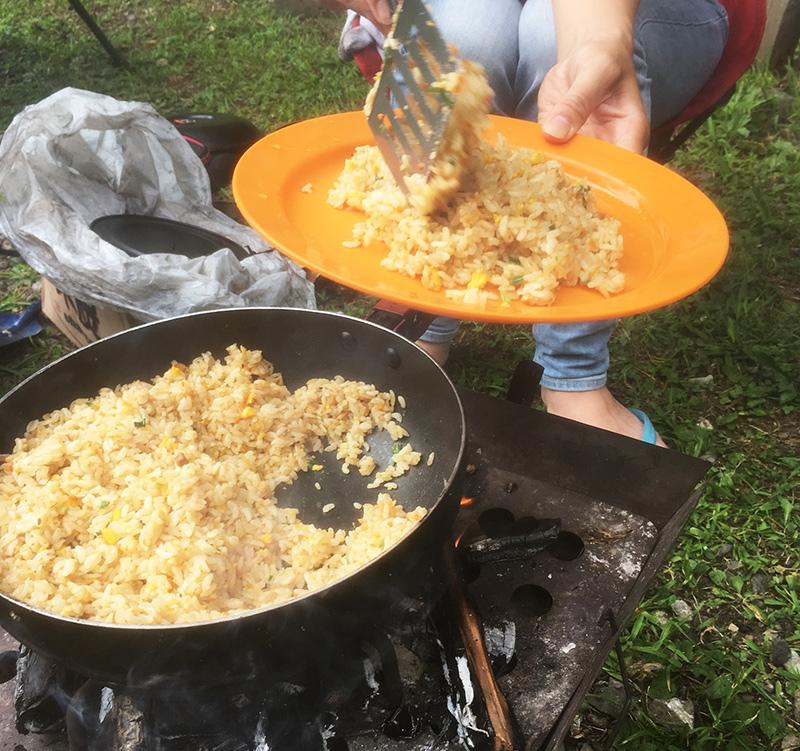 ファミリーキャンプのおっ昼ごはん キャンプめし 何を作る