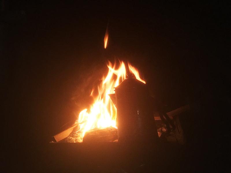 キャンプ 夜は焚き火タイム