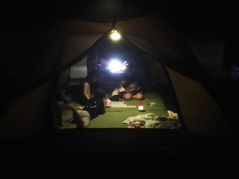 キャンプの夜の過ごし方 キャンプって何するの?