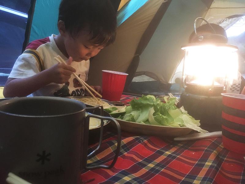キャンプの夕食は?ファミリーキャンプのキャンプめしは何?