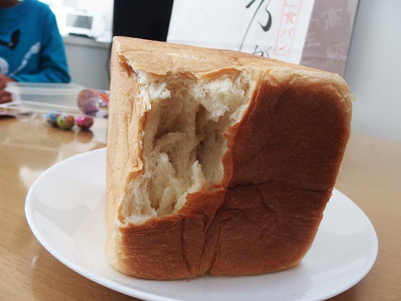 乃が美の食パンのおいしい食べ方 ちぎる