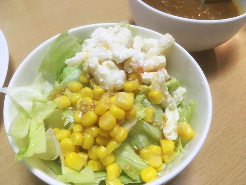 コーンとポテトサラダ 1日1食の夕食