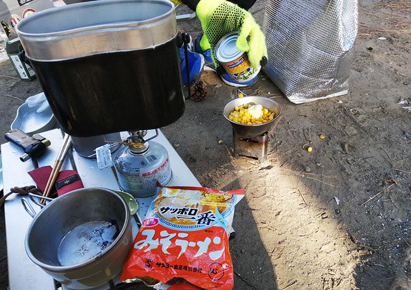 父子キャンプ 朝食作り