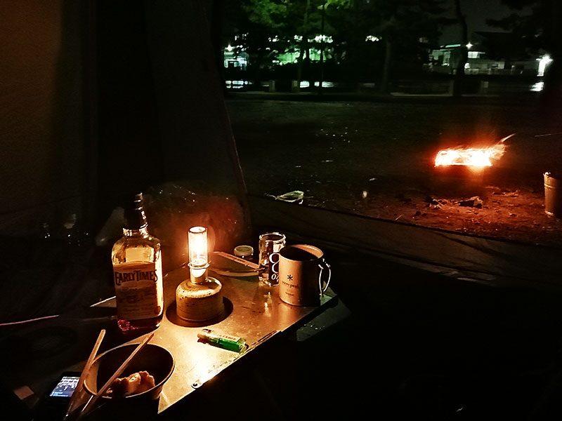 キャンプにはユニフレームの焚き火テーブル