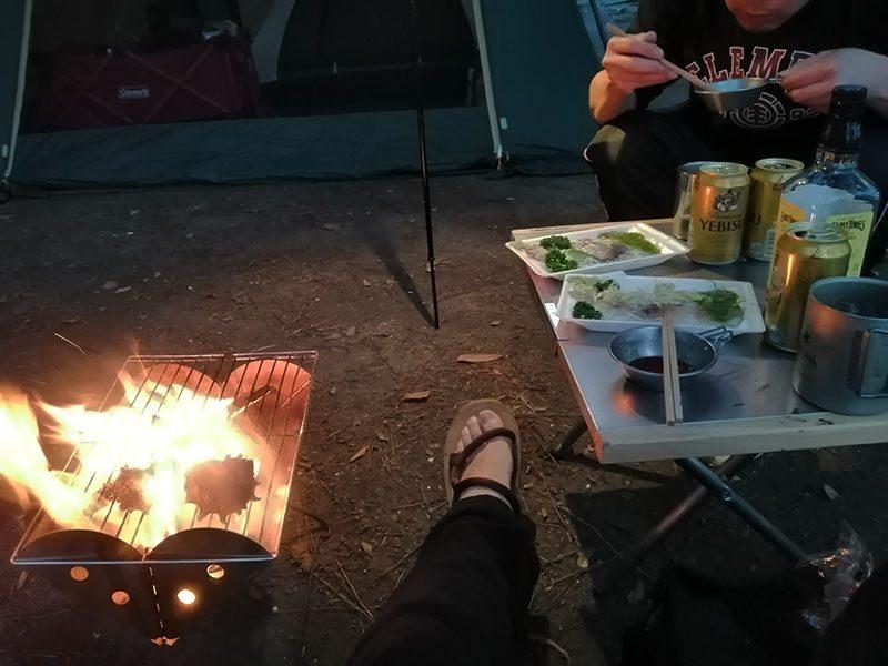 ソロキャンプ 使っている 焚き火台は?