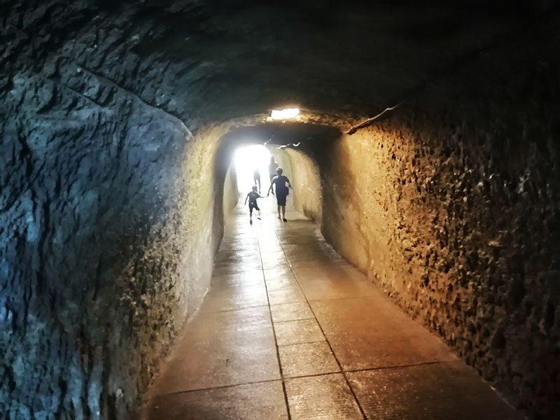 鎌倉 千と千尋のトンネル