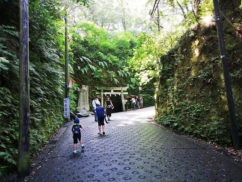 鎌倉駅西口から銭洗弁天までの行き方 アクセス