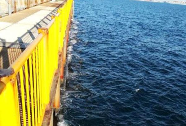 磯子海づり施設 海面までの距離 高い