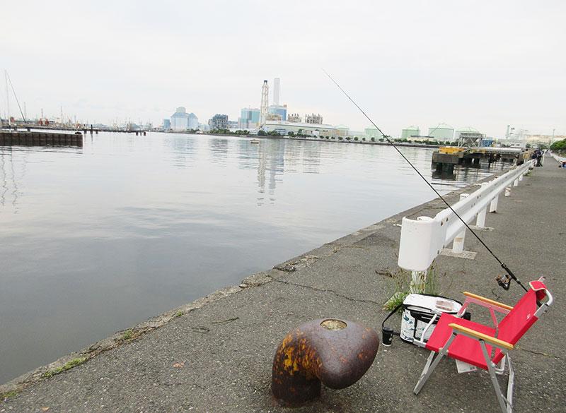 根岸港 釣れる場所はどの辺?